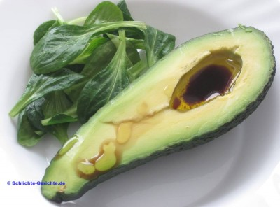 Avocado mit Dressing